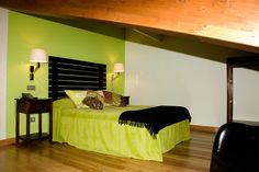 Junior Suite Abuhardillada - El Hombre  #casarural #habitacion #turismorural #ezcaray #hotel #turismo