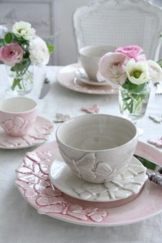 ♔ Pretty Butterfly Teacups, Saucers and Plates