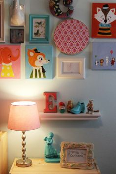 This is a sweet nursery. Friends, someone have a baby so I can make you presents and help you decorate a nursery!