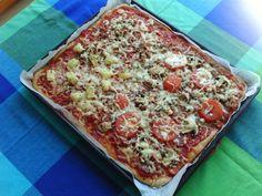 Kotikokista löydät ohjeet siihen, miten pizzapohja (pellillinen) valmistetaan. Reseptiä katsottu 3978132 kertaa. Katso tämä ja sadat muut reseptit sivuiltamme! 20 Min, Vegetable Pizza, Tapas, Goodies, Cooking Recipes, Bread, Baking, Finland, Finger Food