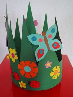 Grandpa Brom's birthday The nicest kindergarten of - Top Paper Crafts Spring Activities, Craft Activities, Preschool Crafts, Easter Crafts, Diy For Kids, Crafts For Kids, Origami, Diy And Crafts, Arts And Crafts