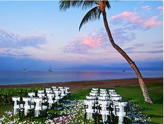 With an impressive background of wedding expertise, our specialists will customize and oversee each and every detail to your utmost satisfaction, at The Westin Maui Resort & Spa on Ka'anapali Beach.