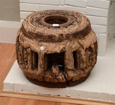 TIMBER WHEEL HUB AUCTION - Sale 8177A - Lot 26 - Lawsons - Auctioneers, Sydney and Melbourne Estimate $200-$300