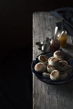 English muffins by Raquel Carmona Romero #kitchenfactory #foodphotograpy