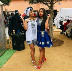 Girls In Beautiful Xhosa Umbhaco and African Print Traditional Dresses South African Traditional Dresses, African Traditional Wedding, South African Tribes, Xhosa Attire, Beaded Cape, Bridal Squad, Traditional Wedding Attire, Black Wedding Dresses, African Print Fashion