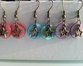 boucles d oreille sequin coloré breloque étoile : Boucles d'oreille par eden-bijoux