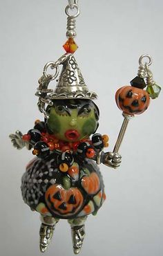 Penny Michelle's and Joan Miller's wonderful procelain and sterling silver beads I love this! I wouldn't save her just for Halloween! Halloween Magic, Halloween Jewelry, Halloween Cards, Holidays Halloween, Holiday Jewelry, Halloween Ideas, Wire Crafts, Jewelry Crafts, Jewelry Ideas