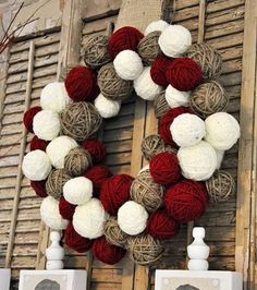 Red Wine, Twine and Ivory Rustic Christmas Yarn Ball Wreath Christmas Yarn, Christmas Cake Pops, Christmas Wreaths To Make, Thanksgiving Wreaths, Christmas Mantels, How To Make Wreaths, Holiday Wreaths, Rustic Christmas, Christmas Decorations