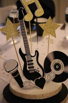31 Ideas for music party centerpieces Music Centerpieces, Birthday Party Centerpieces, 60th Birthday Party, Centerpiece Ideas, Music Party Decorations, Princess Birthday, Birthday Decorations, Rockstar Party, Rockstar Birthday