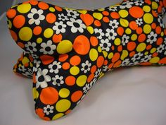 Kissen - Leseknochen - ein Designerstück von Fraeulein-Hille bei DaWanda