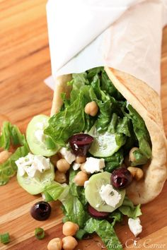 Greek Chickpea Flatbread Salad – Tina's Chic Corner