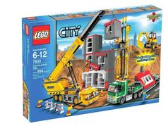 LEGO City Construction Site, Pieces This big construction site has it all! Time to get to work! As the shovel digger scoops up dirt, the delivery truck arrives with another piece of the building. The construction workers on . Construction Business, Construction Design, Lego City Sets, Lego Sets, Legos, Lego Crane, Lego Boards, Lego City Police, Construction Birthday Parties
