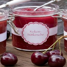 Kokos-Süßkirsch-Konfitüre Bring the coconut milk and sweet cherries to a boil with the gelling Gourmet Desserts, Sweet Desserts, Chutneys, Jam And Jelly, Jelly Recipes, Sweet Cherries, Crock, Food And Drink, Coconut