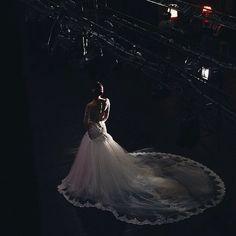 Фотосессия великолепной @in.root в театре  фото талантливой @lia_wind by liliadumont