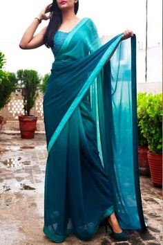 Teal Green Double Shaded Georgette Saree - Sarees Online in India Simple Sarees, Trendy Sarees, Stylish Sarees, Fancy Sarees, Party Wear Sarees, Chiffon Saree, Georgette Sarees, Satin Saree, Indian Fashion Dresses