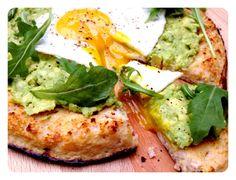 Cauliflower Crust Pizza with Avocado & Egg. Gluten Free. Recipe on www.thelittlegreenspoon.com