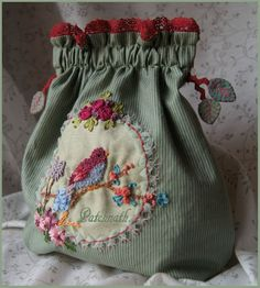 Léonora Pochette to realize in ribbon embroidery. Size of the pouch 20 cm Available in creative notebook: 15 euros Postage … Embroidery Leaf, Silk Ribbon Embroidery, Embroidery Stitches, Fabric Crafts, Sewing Crafts, Sewing Projects, Sacs Tote Bags, Fabric Bags, Handmade Bags