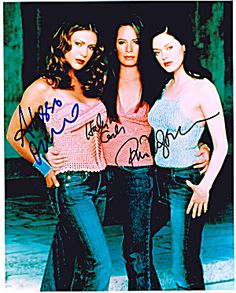 Charmed Authentic Cast Signed 8x10 Autograph Photo - Holly Marie Combs, Alyssa Milano, Rose McGowan