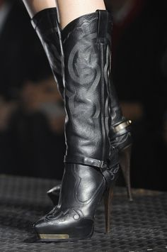 Fabulous Parisian Shoes: Lanvon powerful black boots  2013 @ cmgstyle