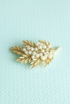 Trifari Pearl Brooch Leaf Gold Tone Wedding Bridal Jewelry