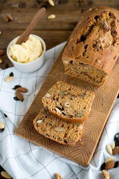 Schnelles und würziges Malz-Nuss-Brot ohne Hefe