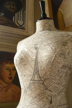 Ohh Paris here I come! This fabulous mannequin is tailored in a vintage inspired Paris map. The colours are a subtle taupe and charcoal with