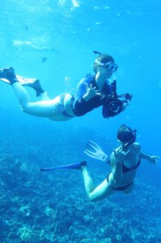 Snorkelling in Molokini Crater in Maui in Hawaii- Snorkel or Scuba Dive Molokini Crater Maui Hawaii USA - Should you snorkel or scuba dive Molokini Crater in Hawaii ? - World Adventure Divers - Scuba Diving in Hawaii - Read more on