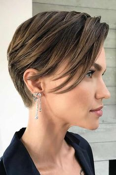 Today we have the most stylish 86 Cute Short Pixie Haircuts. We claim that you have never seen such elegant and eye-catching short hairstyles before. Pixie haircut, of course, offers a lot of options for the hair of the ladies'… Continue Reading → Round Face Haircuts, Short Pixie Haircuts, Haircuts With Bangs, Short Hairstyles For Women, Short Hair Cuts, Bob Hairstyles, Pixie Cuts, Pixie Bob, Long Pixie