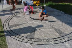 Keiki engaging with the star compass.