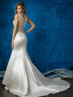 This gown is for the bride who wants a whole lot of Hollywood glamour in her bridal style // Allure Bridals 9362