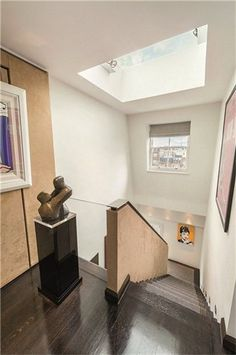 Apartments / Flats for Sale at Cadogan Place, London, SW1X London, England