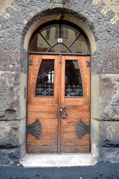 helsinki door by Lisa Congdon. Let's see if I can find it when there.