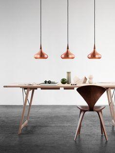 Die aus Materialien bester Qualität hergestellte Pendelleuchte Orient weist ein formvollendetes Design mit einer guten Lichtausbeute auf.