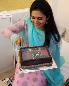 Divyanka Tripathi posing for her fans during celebrations for crossing 2,50,000 followers on Instagram. #Bollywood #Fashion #Style #Beauty