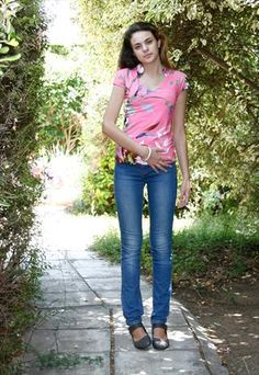 41aadbeece3d8 Pink V neck summer top Tight-fitting short-