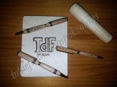 Agendas y bolígrafos artesanales personalizados. Diaries and custom handcrafted pens.