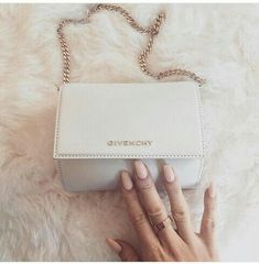 Givenchy Handbags Spread the love Chanel Handbags, Fashion Handbags, Purses And Handbags, Fashion Bags, Fashion Mode, Burberry Handbags, Fashion 2018, Luxury Bags, Luxury Handbags
