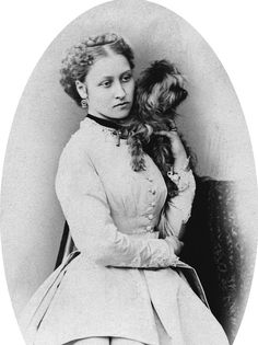 Princess Louise was the 4th daughter &  6th child of Queen Victoria & Prince Albert