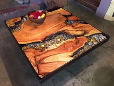 Rustic Outdoor Patio Table Design Ideas On A Budget 30 Wood Resin Table, Resin Patio Furniture, Backyard Furniture, Log Furniture, Rustic Outdoor, Rustic Table, Wood Table Design, Diy Patio, Patio Ideas