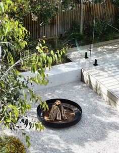 14 Outdoor Fire Pit Ideas that Will Transform Your Backyard Cheap Fire Pit, Diy Fire Pit, Fire Pit Backyard, Fire Pits, Backyard Seating, Fire Pit Landscaping, Landscaping With Rocks, Garden Landscaping, Modern Landscaping