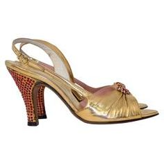 b648ba3100c Mid-20th Century Shoes - 151 For Sale at 1stdibs