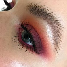 """Loving rich cranberry eyes and natural brows, so perfect for Thanksgiving time. To achieve this look, I used shadows in """"Red Brick"""", """"Rule"""", """"I'm Into It"""", and """"Sketch"""" to create a softly diffused crease and lower lashline. Next, I applied """"Cranberry"""" and """"Plum Dressing"""" to the lid for a hint of shine. To add an even brighter pop, apply """"Heroine"""" lip liner to the waterline. Lashes are # 36 cut in half and placed on the outer corner. Highlight the brow bone and inner corner with """"Tutu"""" fro..."""