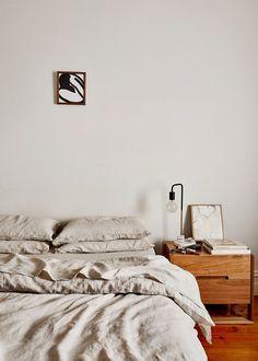 minimalist bedroom ideas Cheap Office Decor, Cheap Home Decor, Inspiration Wall, Interior Inspiration, Interior Ideas, Home Decor Accessories, Home Decor Styles, Melbourne House, Victorian Terrace