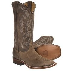 cowgirl boots for women square toe - love cow girl boots! Mode Country, Country Boots, Western Boots, Country Outfits, Rodeo Boots, Horse Boots, Motorcycle Boots, Western Wear, Country Style