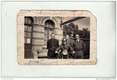 WWII - 1945 - SAINT ST VALERY - DEPART POUR L ALLEMAGNE - MOTARD ET COLLEGUES - PHOTO MILITAIRE 10 X 7 CM