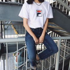 Sneakers outfit - Fila tee-shirt (©hiedilyn)