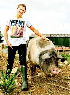 Gregg Lowe | Viva! -vegan actor