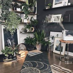 mel on The perfect little meditation + yoga corner. Benefits to adding plants to your yoga sanctuary: deep, mindful breathing Meditation Raumdekor, Meditation Room Decor, Yoga Room Decor, Breathing Meditation, Home Yoga Room, Yoga Studio Home, Sala Zen, Deco Zen, Summer Deco