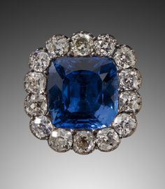 Sapphire and diamond brooch, set with table cut sapphire and in gold , silver, 14 brilliant cut diamonds, can be worn necklace and bracelet, Grand Duchess Catherine Pavlovna of Russia (1788-1819) was a younger sister of Tsar Alexander I (r. 1801-1825). He gave the jewel to her on December 1815. She became the Queen of Württemberg upon her marriage to her first cousin Crown Prince William who eventually became King William I of Württemberg (r. 1816-1864) in 1816. 2.8 cm