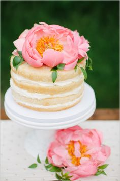 We found tons of amazing unfrosted wedding cakes, proving you don't need fondant or buttercream to make a statement with your big-day confection! Whether you're a rustic bride or more traditional engaged girl, you'll find a naked cake you love. Beautiful Wedding Cakes, Beautiful Cakes, One Tier Cake, Fondant, Cake Design Inspiration, Naked Cake, Small Desserts, Wedding Cake Designs, Wedding Ideas